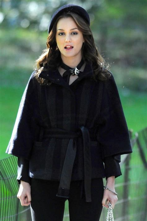 Leighton Meester And Ed Westwick Film 'Gossip Girl' In NYC